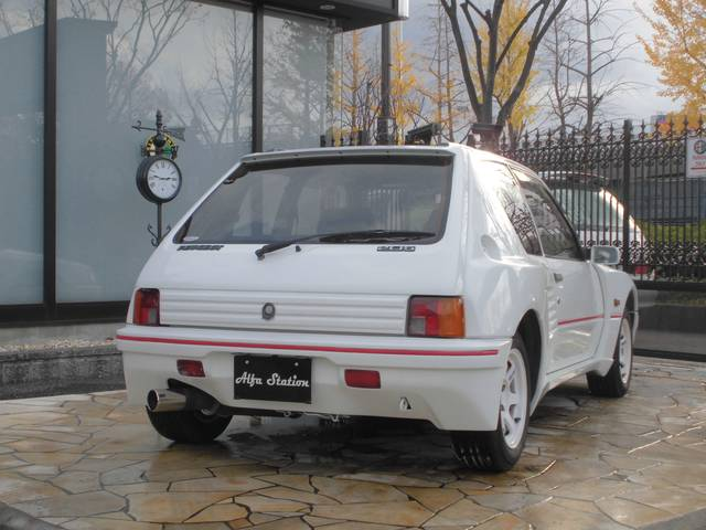 プジョー プジョー 205 GTI
