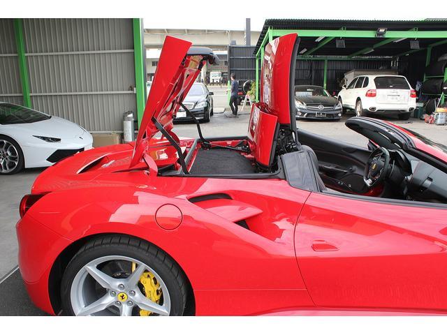 フェラーリ フェラーリ 488スパイダー ワンオーナー 正規ディーラー車 カーボンリアエアダクト