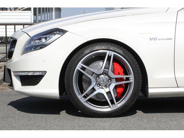 CLS63 AMG パフォーマンスパッケージ AMG鍛造19インチホイール 557馬力 AMG強化ブレーキ カーボントランクスポイラー AMGパフォーマンスステアリング カーボンエンジンカバー ハーマンカードン(3枚目)