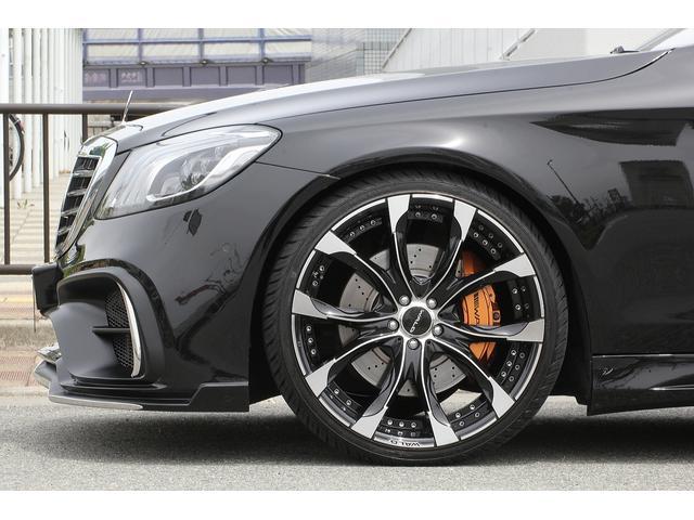S550ロング 後期WALDカスタム Black Bison ジャレット22インチホイール 新品パーツ オレンジゴールドキャリパー パノラミックスライディングルーフ 黒本革シート レーダーセーフティ ブルメスター(4枚目)