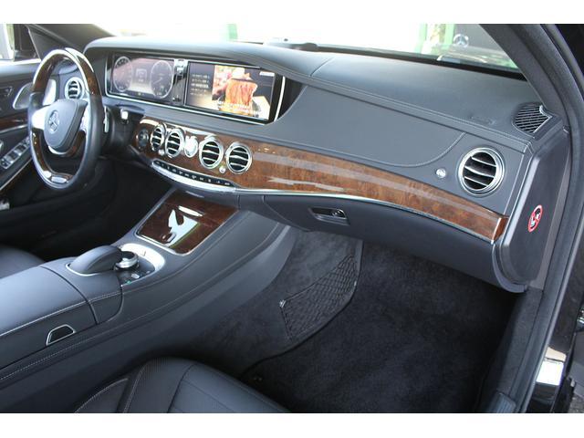 S550ロング 後期WALDカスタム Black Bison ジャレット22インチホイール 新品パーツ オレンジゴールドキャリパー パノラミックスライディングルーフ 黒本革シート レーダーセーフティ ブルメスター(29枚目)
