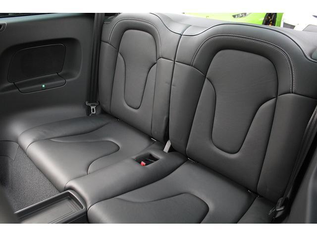 ■後席は使用感も無くとても綺麗に保たれております!■シートの大きな傷も、へたりもありません!■ブラックレザーシートがより一層高級感を引き立たせております♪■