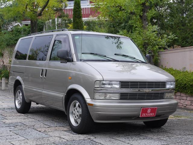 LS 2WD ディーラー車 キーレス 8人乗(3枚目)