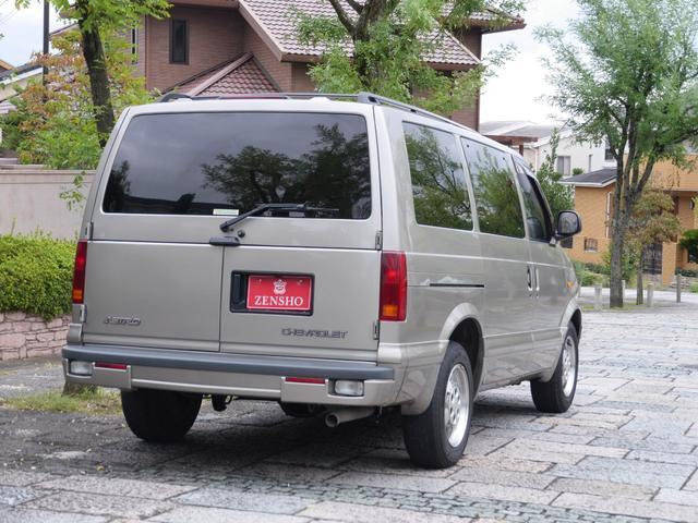 LS 2WD ディーラー車 キーレス 8人乗(18枚目)