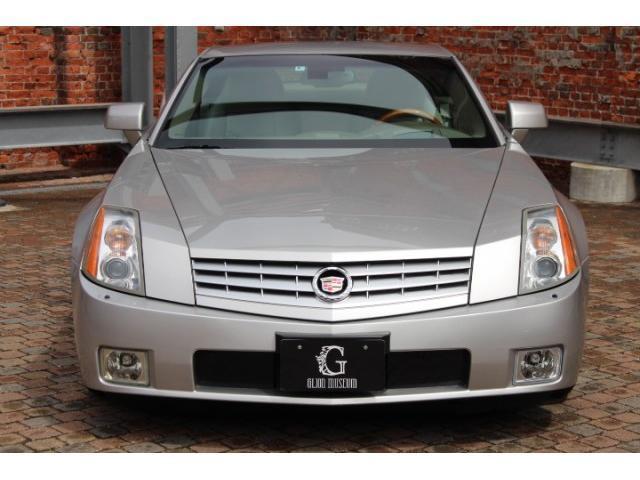 2004yモデル、キャデラック XLR入庫致しました。正規ディーラー車になります。