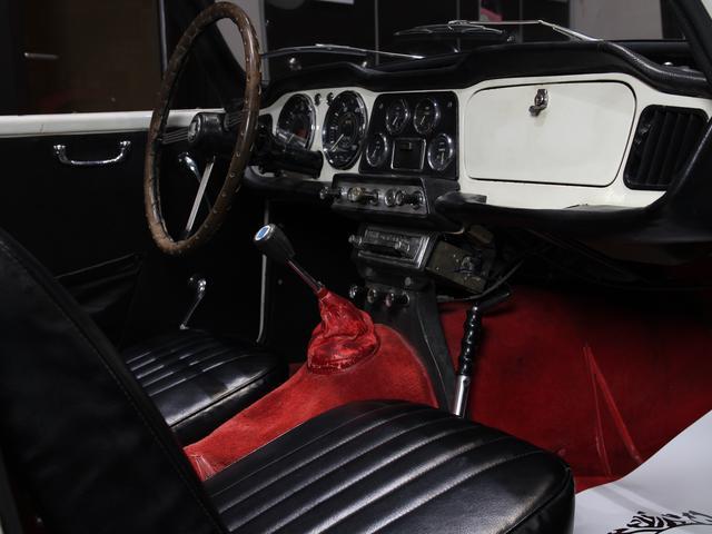 「その他」「TR-4」「オープンカー」「大阪府」の中古車6