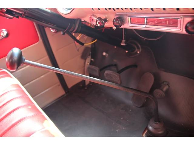 アメリカその他 アメリカ シボレー3100 5ウィンドウ 4MT車