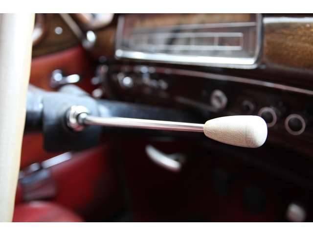 メルセデス・ベンツ M・ベンツ ポントン 220S W180 革ベンチシート ディーラー車