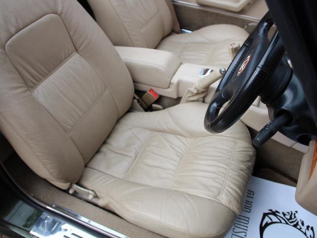 MG MG RV8 ベースグレード ディーラー車 本革シート LSD