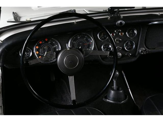 「その他」「トライアンフ」「オープンカー」「大阪府」の中古車13