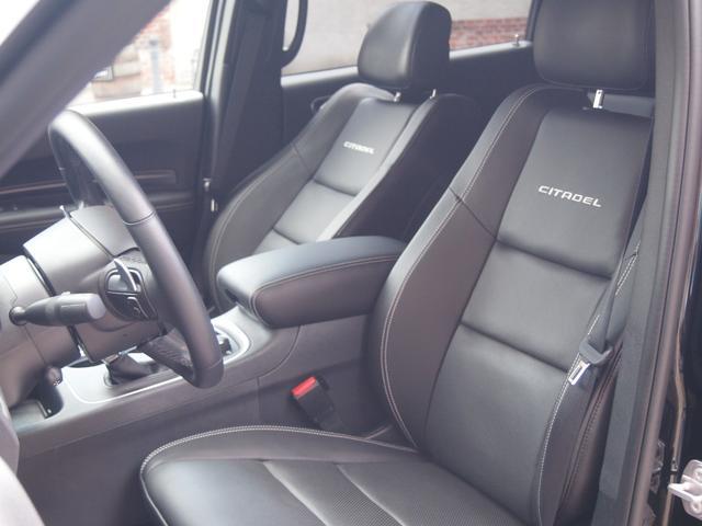 シタデル 5,7HEMI 4WD ワンオーナー 新並(8枚目)