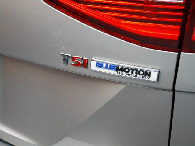 フォルクスワーゲン VW パサートヴァリアント TSIハイライン・本革レザーシート・ACC・ブライドスポット