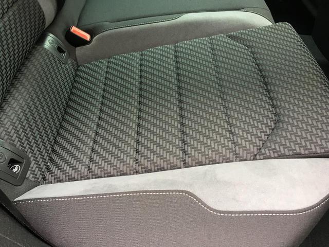 フォルクスワーゲンの車は、速度無制限のアウトバーンを意識した安全対策が必要となります。