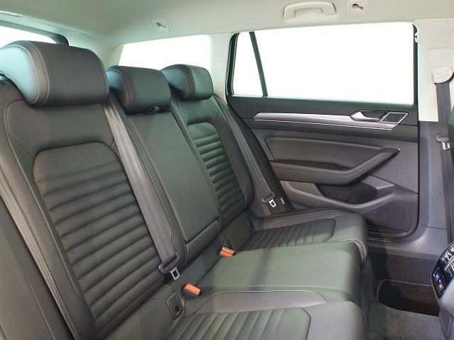 当社の在庫はすべてVolkswagenの認定中古車制度「Das Welt Auto」の対象車です。走行距離無制限で1年ないしは6ヶ月の保証対象となります。(新車保証継承車除く)
