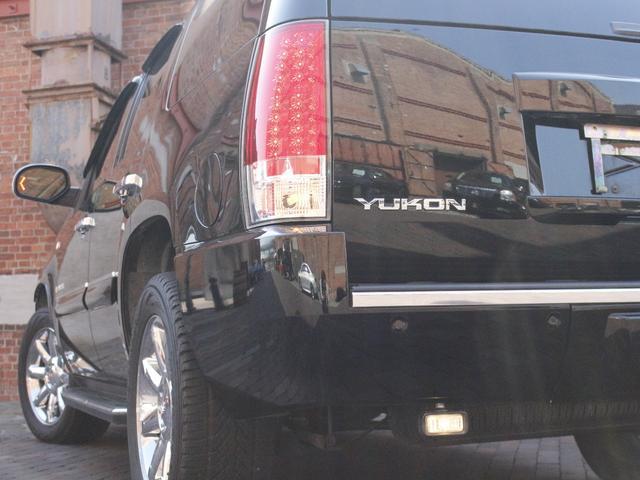 GMC GMC ユーコン デナリ AWD 新車並行 ブラックレザー サイバーナ