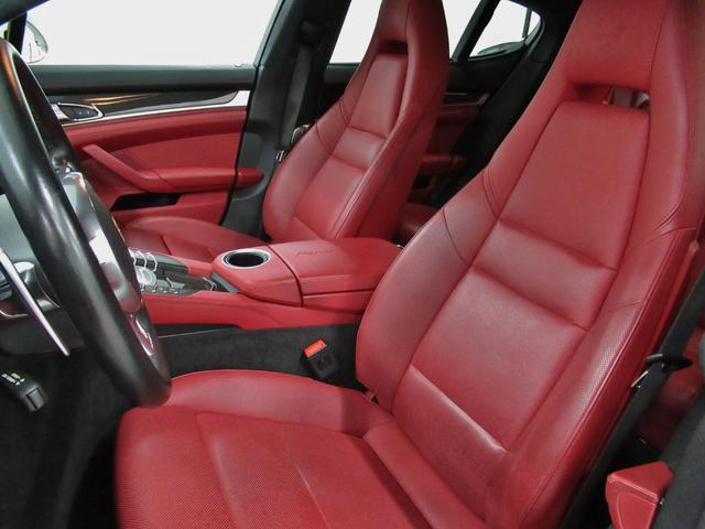 GTS PDK 4WD 内装色 ブラック ガーネットレッド(13枚目)
