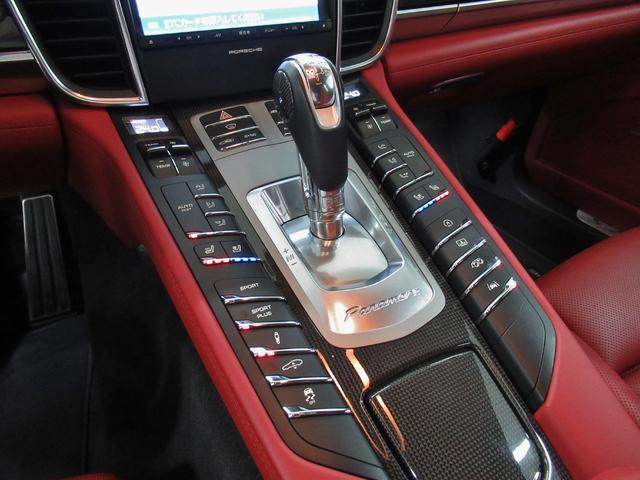 GTS PDK 4WD 内装色 ブラック ガーネットレッド(17枚目)