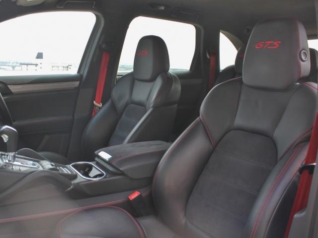 ポルシェ ポルシェ カイエン GTS 認定中古車保証 20インチRSスパイダーホイール