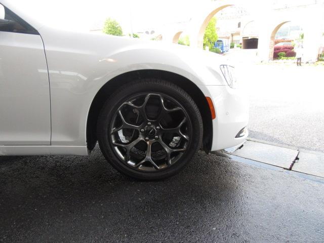 クライスラー クライスラー 300 300S 登録未使用車 レザーシート アクティブクルーズ
