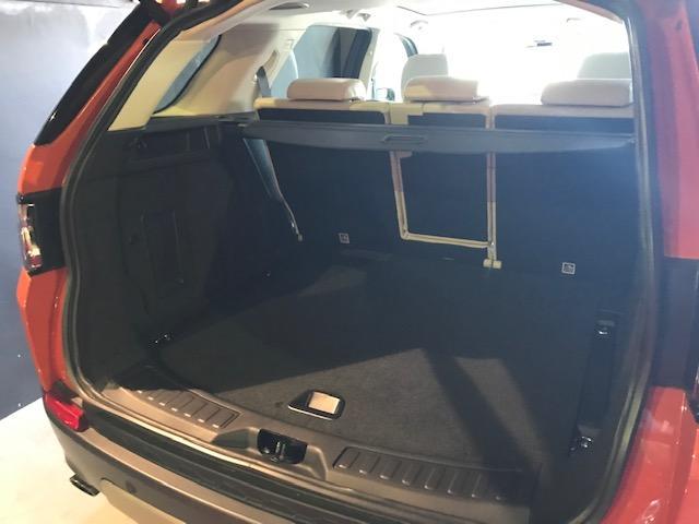 パワーバックドア付き ラッゲージスペースも広々してます。