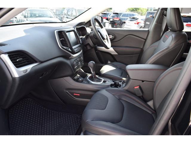 お客様の安心・満足を追及するために我々輸入車正規ディーラーがお届けする高品質車両の数々!ディーラーにできるサービスを是非、ご提供させてください!TEL0120-07-1606