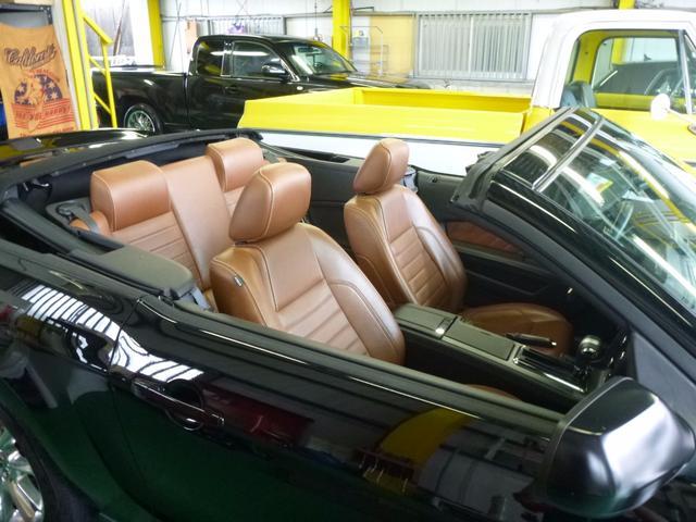 フォード フォード マスタング V8 GTコンバーチブル プレミアム
