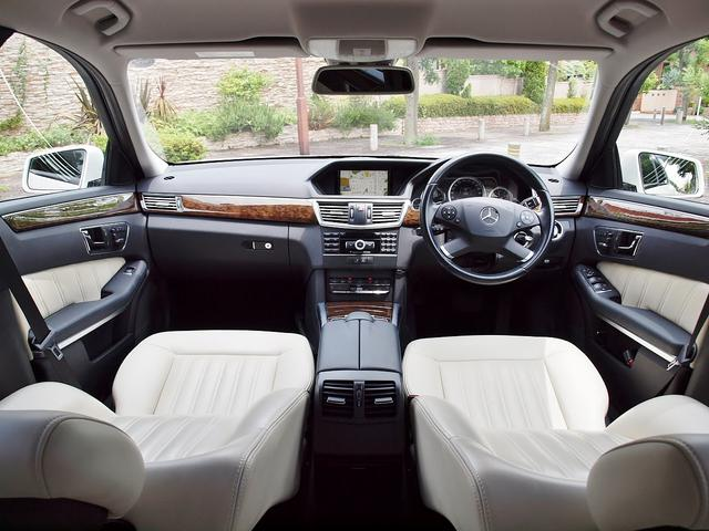 E250CGI/BE/125EDワゴン内張ホワイトレザー張替(4枚目)