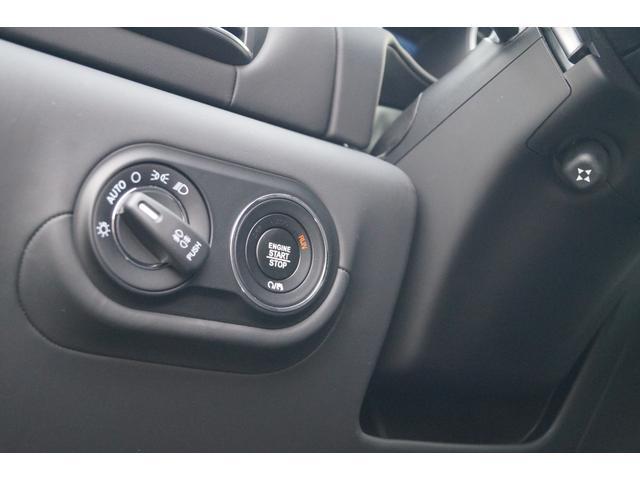 4WD Nerissimoパックカーボン内装SR21AW黒革(12枚目)