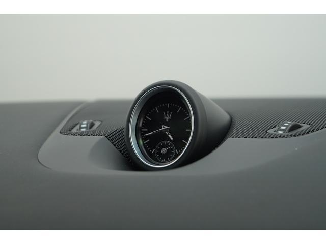 4WD Nerissimoパックカーボン内装SR21AW黒革(15枚目)
