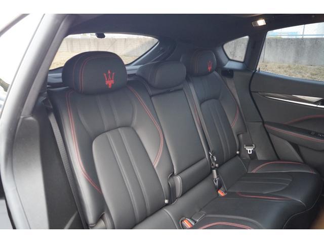 4WD Nerissimoパックカーボン内装SR21AW黒革(22枚目)