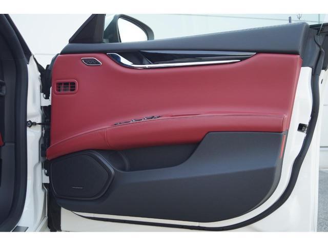 GT S グランスポーツ ワンオーナー フルナチュラルレザー トライデントステッチ Rドア拡張キーレス ブラックグロスFグリル ソフトクローズドア アダプティブクルーズ 赤キャリパー ハーマンカードン MY18(17枚目)