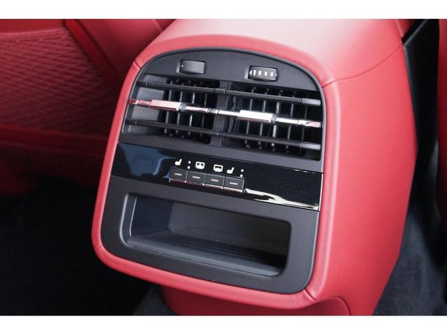 GT S グランスポーツ ワンオーナー フルナチュラルレザー トライデントステッチ Rドア拡張キーレス ブラックグロスFグリル ソフトクローズドア アダプティブクルーズ 赤キャリパー ハーマンカードン MY18(22枚目)