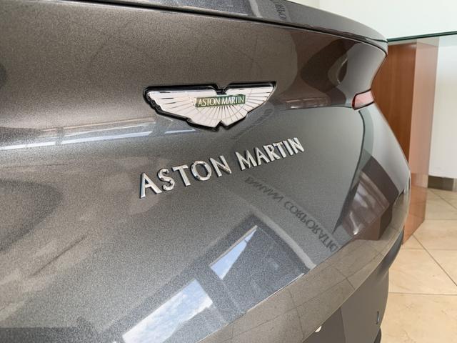 アストンマーティン DB11