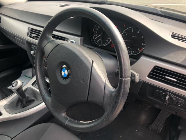 BMW BMW 320i MT6速 18インチAW HID ETC