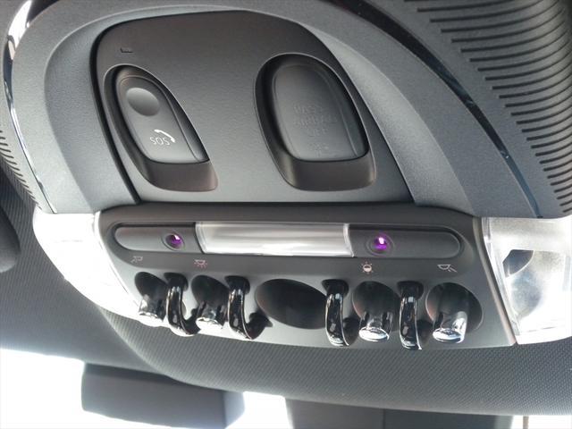 ジョンクーパーワークス クロスオーバー 純正HDDナビ LEDヘッドライト バックカメラ+PDC ドライビングモード アクティブクルーズコントロール 18インチAW ヘッドアップディスプレイ ハーフレザースポーツシート アルミペダル(70枚目)
