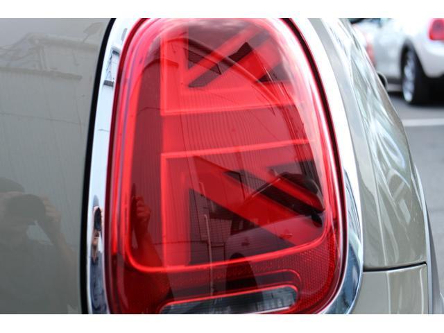 クーパー NAVI クルコン LEDライト Bカメラ クルーズコントロール ボンネットストライプ アームレスト(18枚目)
