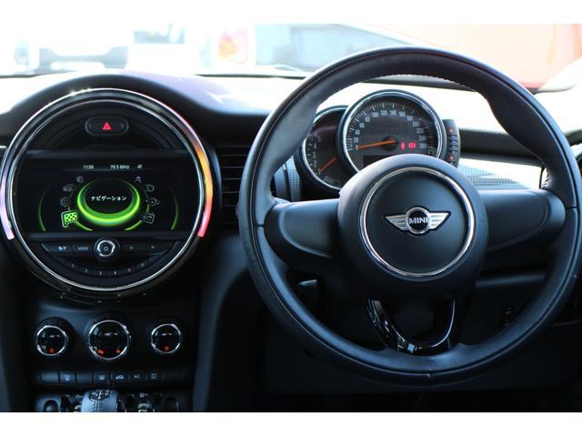 クーパーD ワンオーナー NAVI LEDヘッドライト 15インチAW ペッパーPKG コンフォートアクセス オートライト・レインセンサー ホワイトルーフ(24枚目)