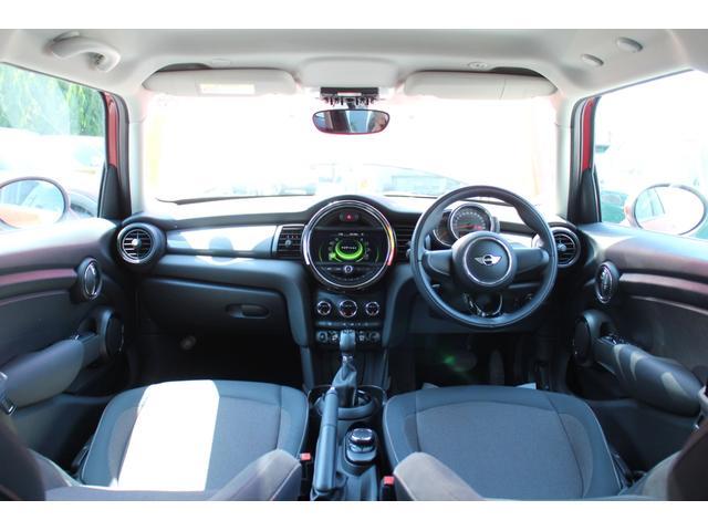 クーパーD ワンオーナー NAVI LEDヘッドライト 15インチAW ペッパーPKG コンフォートアクセス オートライト・レインセンサー ホワイトルーフ(71枚目)