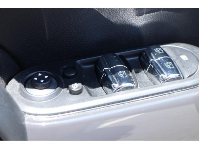 クーパー NAVI 15インチAW ブラックルーフ LEDヘッドライト コンフォートアクセス オートライト・レインセンサー(39枚目)