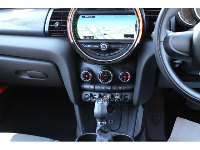 クーパー NAVI 15インチAW ブラックルーフ LEDヘッドライト コンフォートアクセス オートライト・レインセンサー(44枚目)