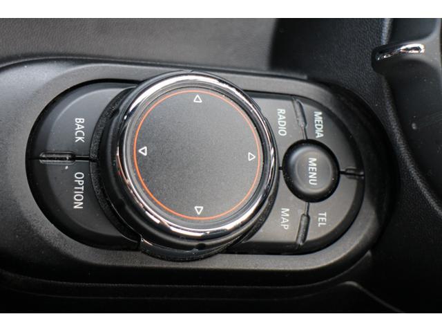 ジョンクーパーワークス Bカメラ LEDヘッドライト Dモード クルコン HUD 18インチAW JCWステアリング パドルシフト(39枚目)