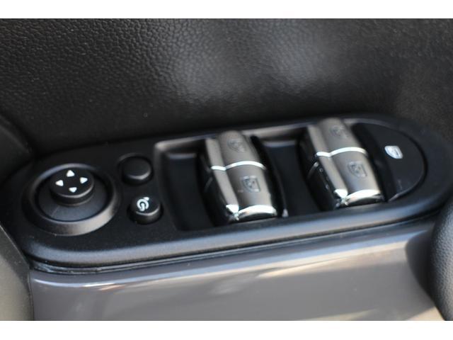 クーパーD ナビ ペッパーPKG Cアクセス Bカメラ+PDC BJミラーキャップ LEDヘッドライト ルーフキャリア オートライト レインセンサー ルーフBJステッカー(色あせ有)(35枚目)
