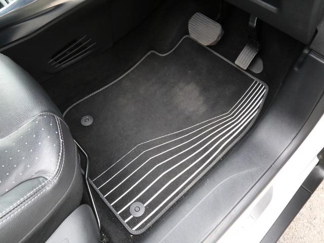 「プジョー」「プジョー 2008」「SUV・クロカン」「兵庫県」の中古車75