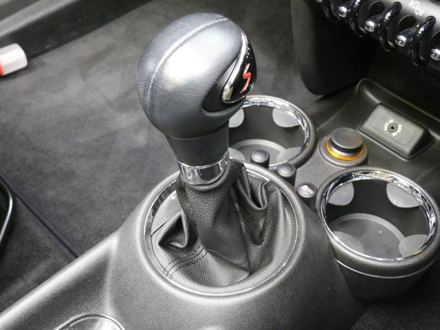 クーパーS コンバーチブル 禁煙車 ディーラー記録簿 スペアキー ブラックインナーヘッドライト 17インチアルミ リアセンサー クロームラインインテリア&エクステリア ETC(11枚目)
