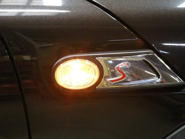クーパーS コンバーチブル 禁煙車 ディーラー記録簿 スペアキー ブラックインナーヘッドライト 17インチアルミ リアセンサー クロームラインインテリア&エクステリア ETC(35枚目)