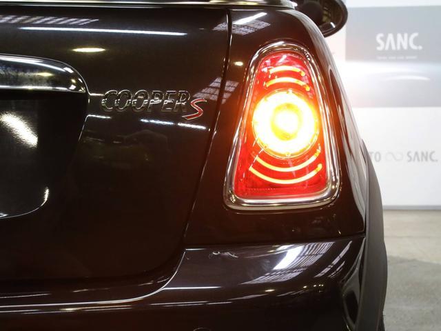 クーパーS コンバーチブル 禁煙車 ディーラー記録簿 スペアキー ブラックインナーヘッドライト 17インチアルミ リアセンサー クロームラインインテリア&エクステリア ETC(40枚目)