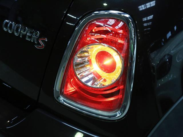 クーパーS コンバーチブル 禁煙車 ディーラー記録簿 スペアキー ブラックインナーヘッドライト 17インチアルミ リアセンサー クロームラインインテリア&エクステリア ETC(44枚目)