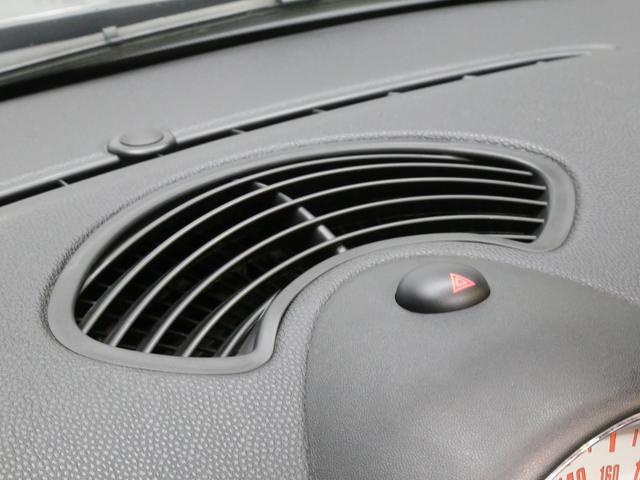 クーパーS コンバーチブル 禁煙車 ディーラー記録簿 スペアキー ブラックインナーヘッドライト 17インチアルミ リアセンサー クロームラインインテリア&エクステリア ETC(72枚目)