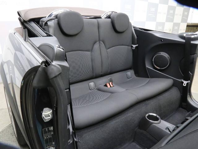 クーパーS コンバーチブル 禁煙車 ディーラー記録簿 スペアキー ブラックインナーヘッドライト 17インチアルミ リアセンサー クロームラインインテリア&エクステリア ETC(78枚目)