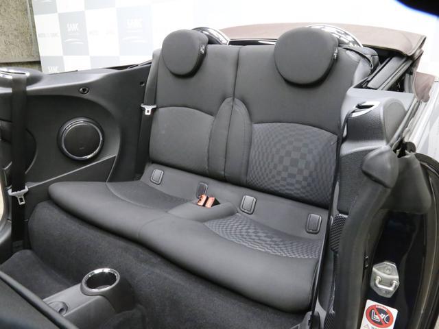 クーパーS コンバーチブル 禁煙車 ディーラー記録簿 スペアキー ブラックインナーヘッドライト 17インチアルミ リアセンサー クロームラインインテリア&エクステリア ETC(79枚目)